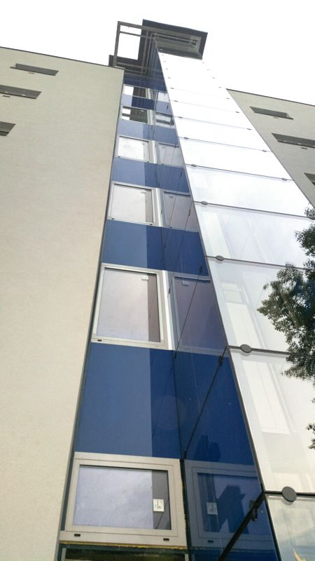 Panelový dům, rekonstrukce - nové interiéry, zateplení, výtahy, okna aj.